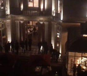Le BB Blanche, nuisances sonores de la terrasse du restaurant au milieu de 4 immeubles
