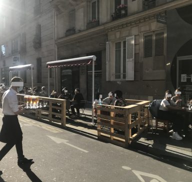 Terrasses bruyantes à Paris, que faire ?